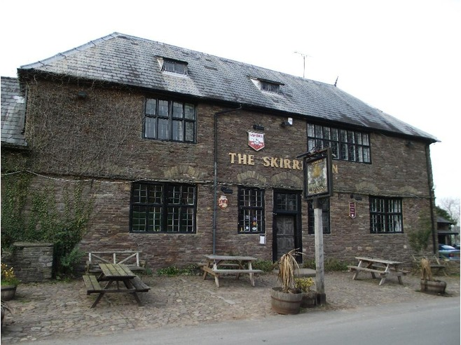5038750-The_Skirrid_Mountain_Inn_Wales