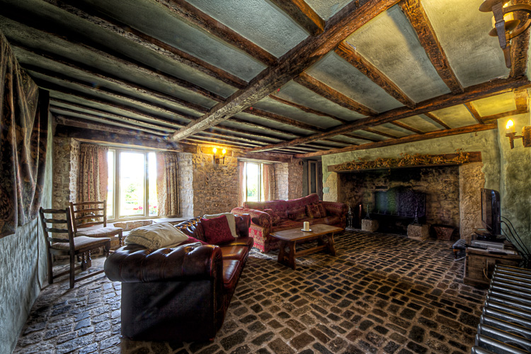 Llanthony Manor lounge